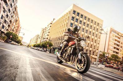 neu und gebraucht motorrad marktplatz auf 1000ps. Black Bedroom Furniture Sets. Home Design Ideas