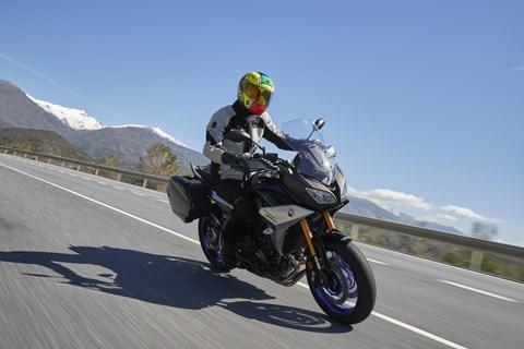 Test der überarbeiteten Yamaha Tracer 900 und Tracer 900 GT 2018