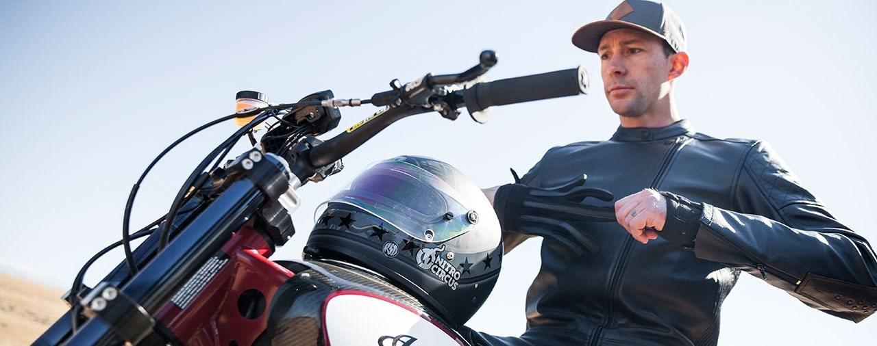 Travis Pastrana wiederholt Sprünge von Evel Knievel