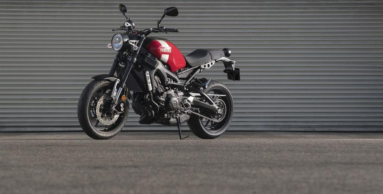 Mit dem Retrobike Yamaha XSR 900 durch die Alpen