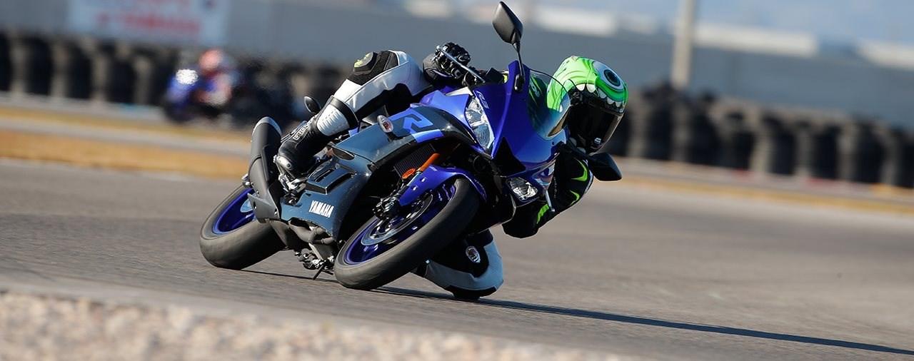Yamaha YZF-R3 2019 Test auf Landstrasse und Rennstrecke