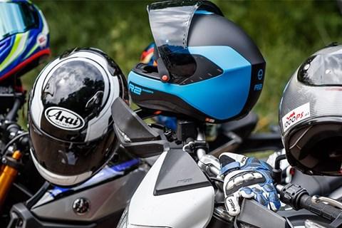 Welche Helmgrösse brauche ich? Motorradhelmgrösse ermitteln!