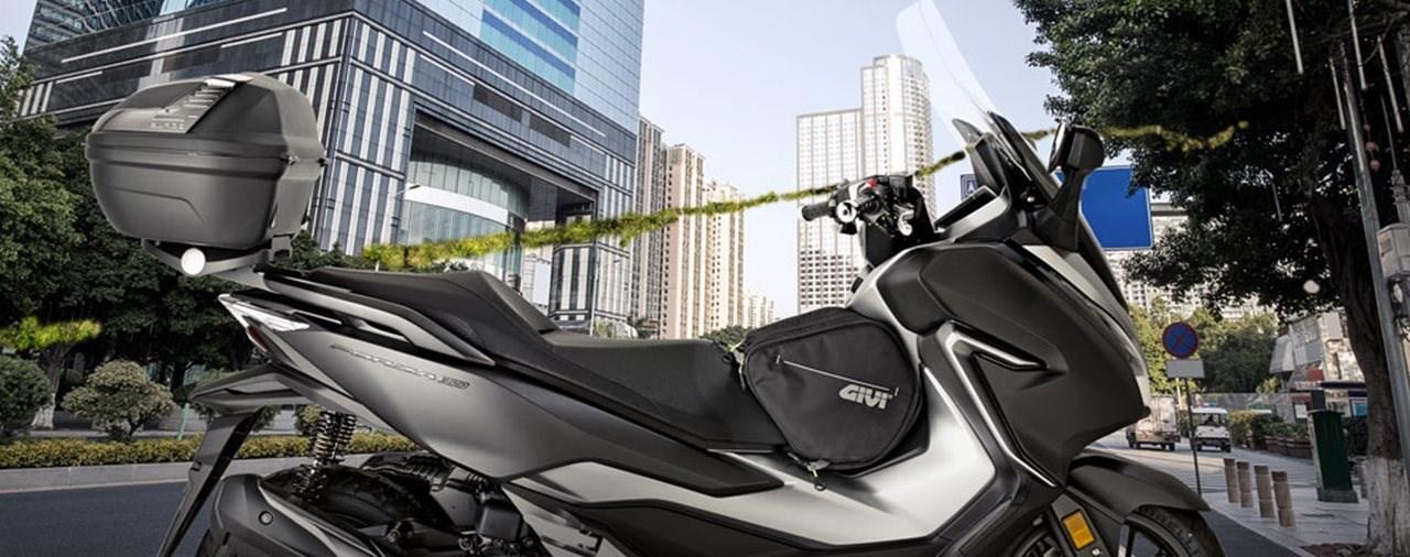 Zubehör für die neue Honda Forza 125 - 300 (19) von GIVI