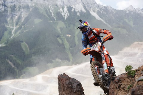 Go with your Pro: Enduro Training mit Taddy Blazusiak