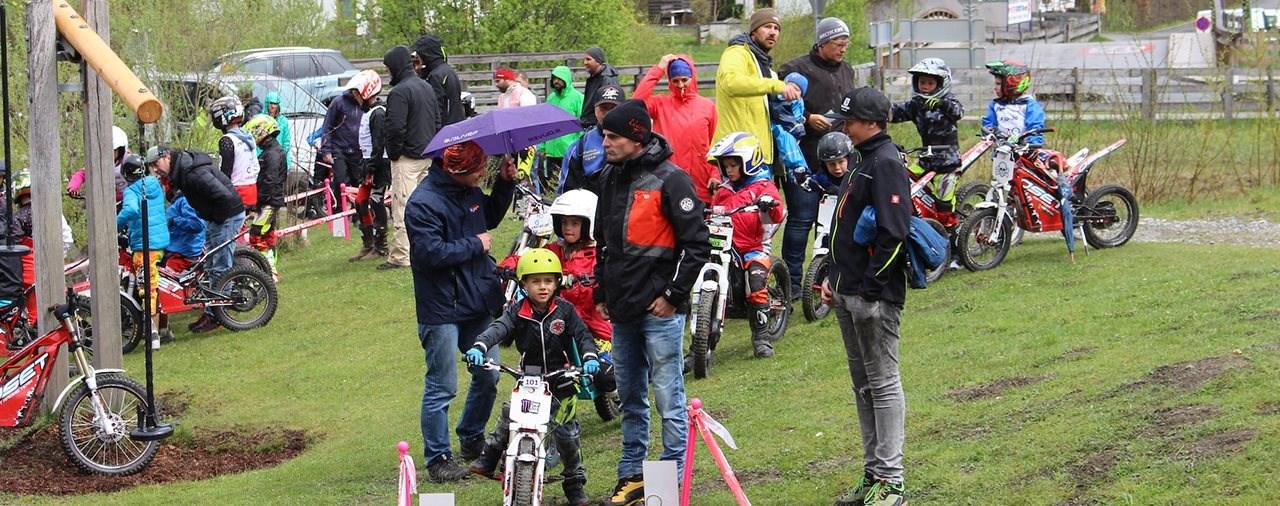 Österreichs jüngste Trainingsgruppe räumt beim ÖTSV Kids e-Cup ab