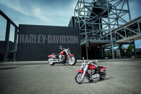 Harley-Davidson Fat Boy als Lego Modell