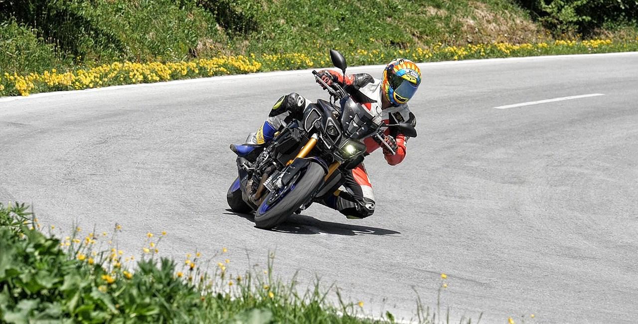 Yamaha MT10 SP Test in den Alpen