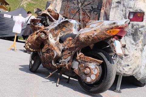 GE-Design Honda VFR 800 F: Mad Max 2