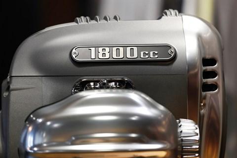 BMW zeigt den grössten Boxermotor aller Zeiten