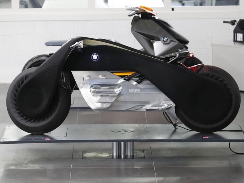 BMW Techday in Miramas - (K)ein Spielplatz für grosse Buben
