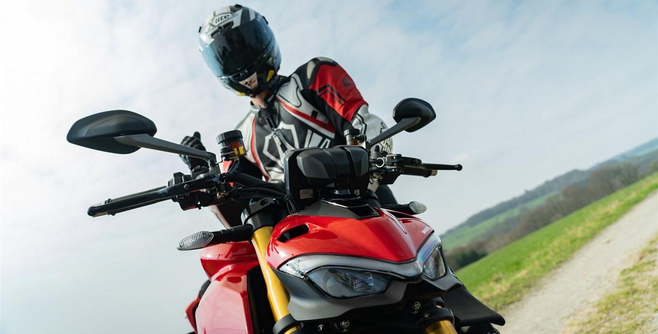 Ducati Streetfighter V4 S 2020 - Erster Test auf der Landstrasse