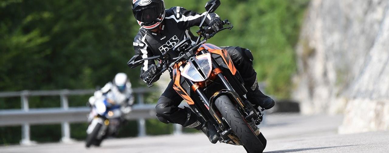 Motorradreifen-Freigaben für neue Straßensportler von Continental