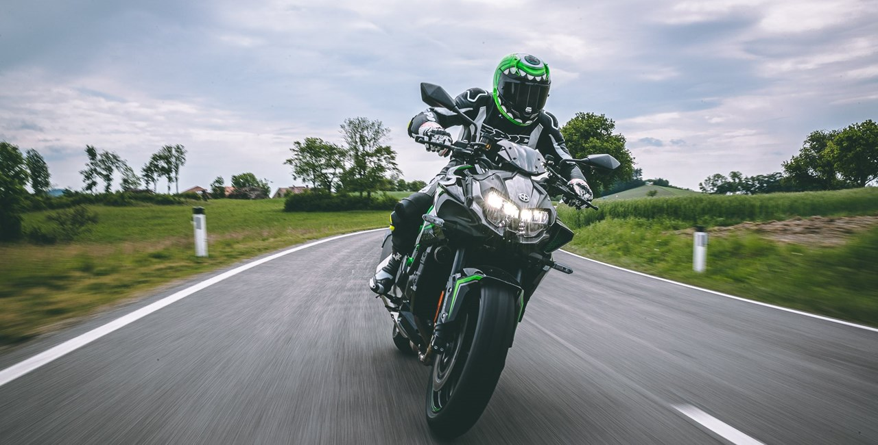 Kawasaki Z H2 Test - Im Nakedbike Vergleich
