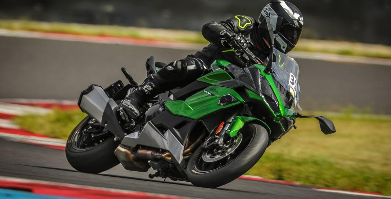 Kawasaki Ninja 1000SX - der Sport-Tourer im Rennstrecken-Test