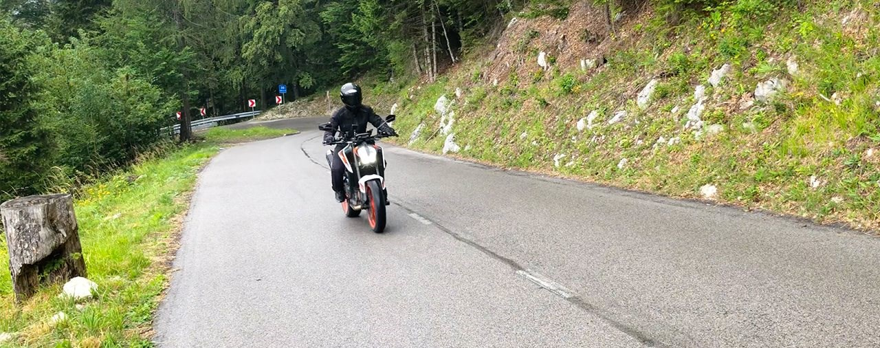 KTM 890 Duke R - Ready to Reise?
