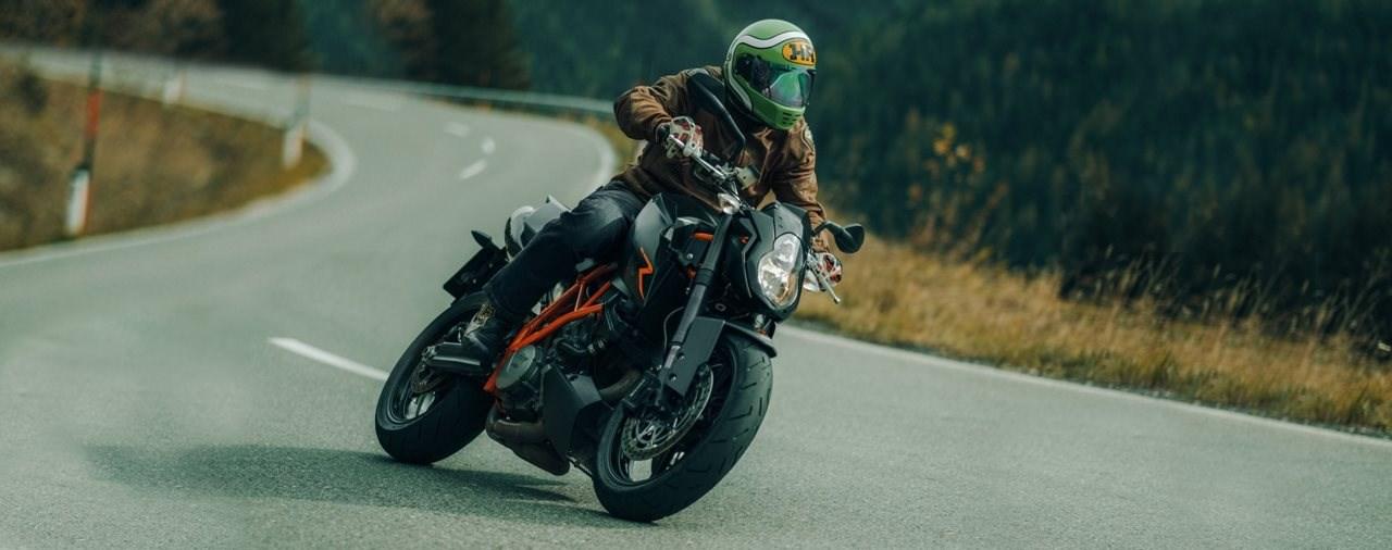 Gebrauchte Power-Naked Bikes – KTM 990 Super Duke R 2008