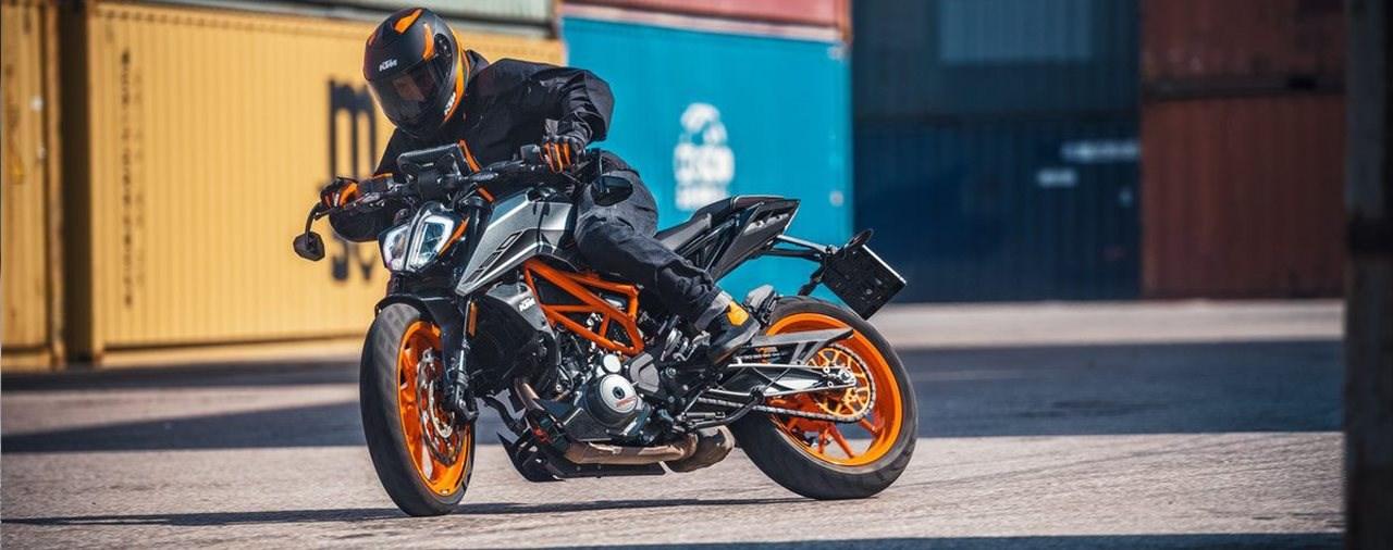 KTM 125 Duke und 390 Duke 2021