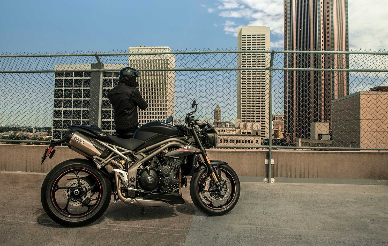 Die neue Triumph Speed Triple RS - jetzt bei uns ! Mobile Version