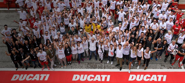 Aufgrund der aktuell global schwierigen Situation, hat Ducati schweren Herzens beschlossen, die WDW auf Sommer 2021 zu verschieben. Eine Party kann verschoben werden, aber die Leidenschaft hört nie auf - In diesem Sinne: Wir sehen uns in 2021! #ForzaDucati