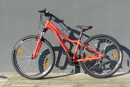 Merida Juliet 6.10 Bremse: Shimano V-BrakeGröße: XSFarbe: orange, rot