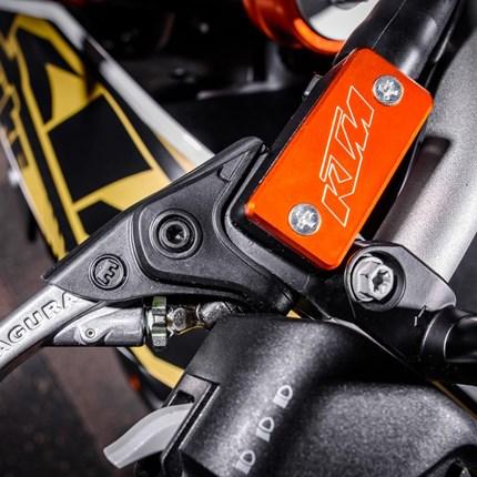 Power Parts Sonderposten Bitte folgen Sie dem Link um zu unserem KTM Online-Shop zu gelangen.www.ktmpowerparts.de