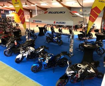 Motorrad Messe 2020(Rottgauhalle Gern /SUZUKI Messestand Auto & Motorrad Mikschl)Fahrschule Kastenhuber fährt jetzt ab auf SUZUKI.GSX-S 750      &     GSX-S 125
