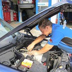 Als Meisterbetrieb und freie Kfz Werkstatt für Autos und Motorräder stehen wir Ihnen bei Fragen und Reparaturen mit Rat und Tat zuverlässig, kompetent und fair zur Seite!Einen Werkstatt Termin können Sie direkt bei uns vor...