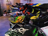 GROSSE MOTOCROSS-HELM-AKTION
