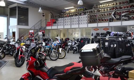 Unternehmensbilder Fahrzeug-Center Schriewer 10