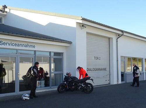 Unser Service Fahrzeug-Center Schriewer