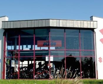 Seit über 20 Jahren steht der Name Stöbe in der Region Aachen für Tradition, Erfahrung und Kompetenz rund um das Thema Motorrad, Technik und Zubehör.Aber Stöbe Motorräder ist noch viel mehr. Ein Team von begeisterten Mensc...