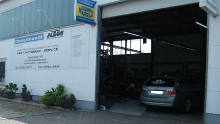 Service • Typenoffene PKW KFZ-Werkstatt      • Reparatur - Finanzierungen      • Inspektionen / Reparaturen / Wartung      • Glasbruchschäden (Direktabrechnung mit der Versicherung)      • HU / AU / Eintragungen      • Elektronis...