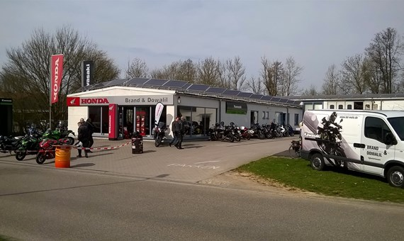 Unternehmensbilder Brand und Dowalil Motorradhandel 0