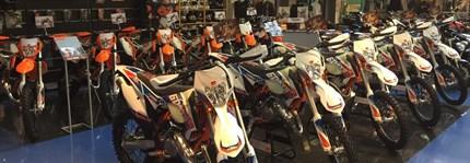 Concesionario KTM ITALO MOTOR nace hace más de 35 años en Barcelona. Su fundador, un apasionado de las motocicletas, traspasó su pasión por las dos ruedas a sus hijos.Todo empezó trabajando para una de las pocas marcas de motos de la época,...