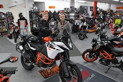 Fahrzeugübergabe 2017/2018/2019 Wir wünschen viel Spaß mit der neuen KTM und stets eine GUTE FAHRT!!Motobike-Team, Bregenz