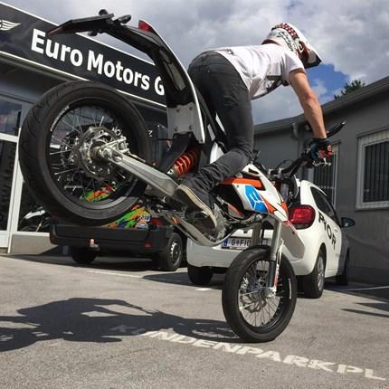 Philipp Seemann Philipp Seemann - Team Euro Motors Graz  Auch heuer kommen wir wieder gemeinsam mit Freestyle-Ass Philipp hoch hinaus. Philipp nimmt wieder mit seiner KTM 250 SX an diversen nationalen und internationalen FMX Shows teil. A...