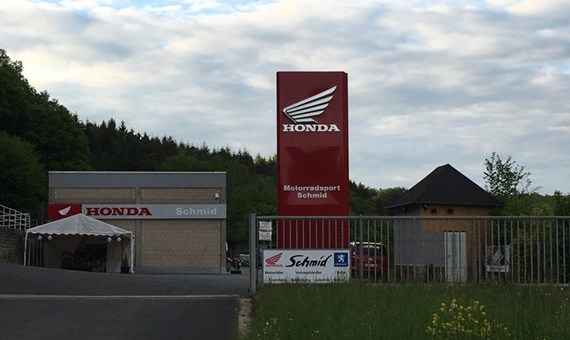 Unternehmensbilder Motorradsport Schmid 2