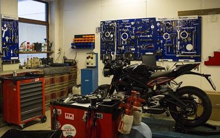 Godkjent mc-/mopedverksted, Strandgaten 223.