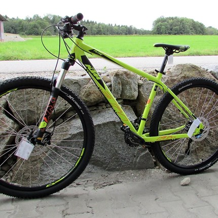 "KTM Ultra Flite 29"" KTM - Ultra Flite 29""19""/48/30G> Art: Sport> System: Hardtail> Material: Alu> Farbe: Neongelb> Reifen: Continental X-King Sport 29 55-622> Rahmengröße: 48 cm> Gesamtgewicht: 14,2 kg"