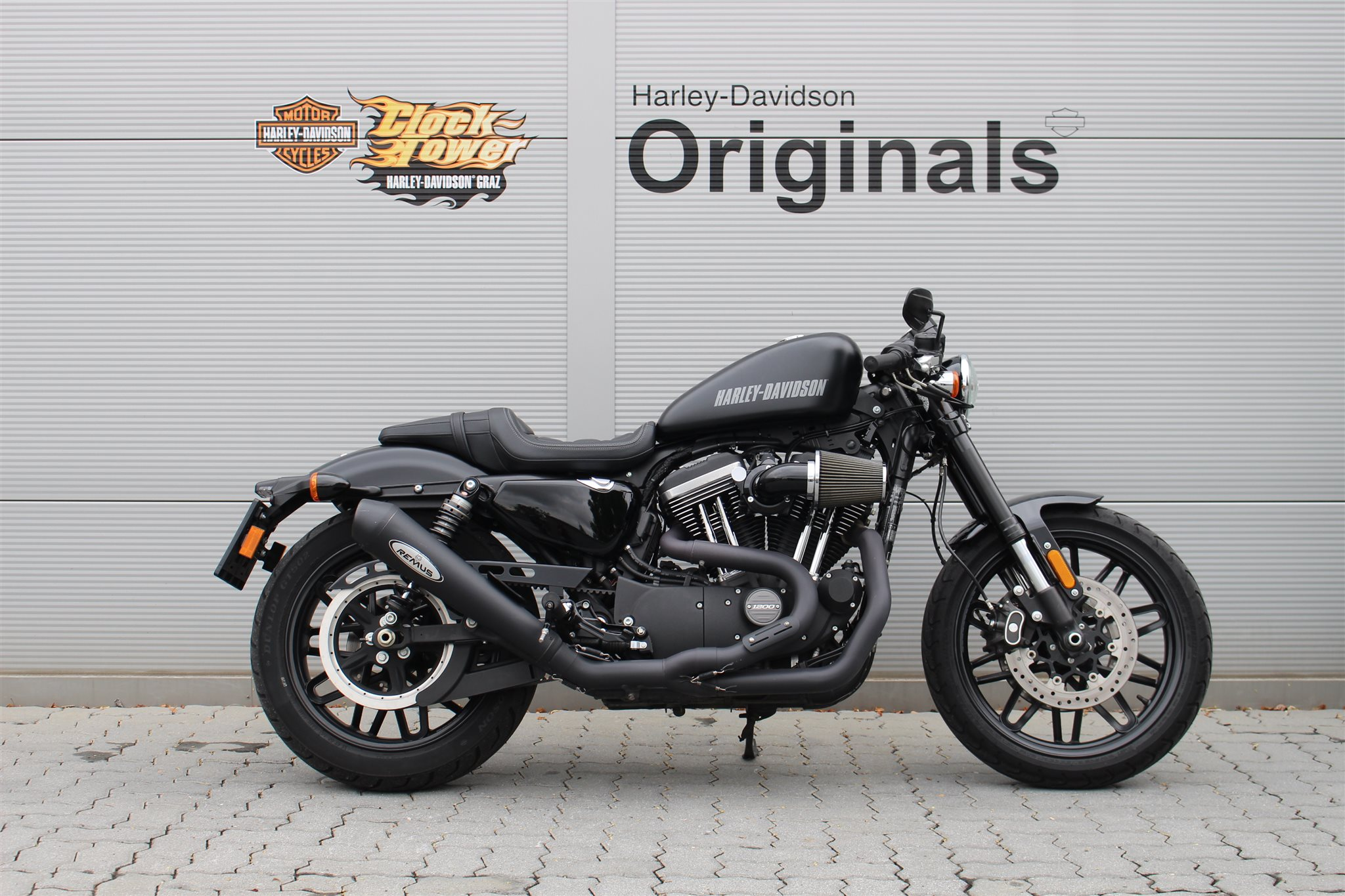 motorrad occasion harley davidson sportster xl 1200cx roadster erstzulassung 2016 8000 km. Black Bedroom Furniture Sets. Home Design Ideas
