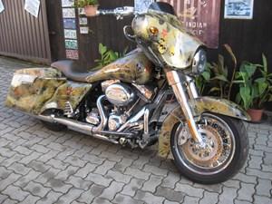 Harley-Davidson CVO FLHTCUSE Ultra Classic Electra Glide