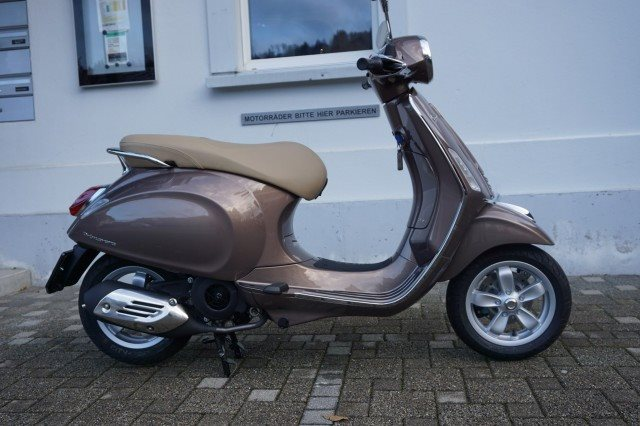 motorrad occasion vespa 125 primavera erstzulassung 2017 300 km preis 4 39 chf aus. Black Bedroom Furniture Sets. Home Design Ideas