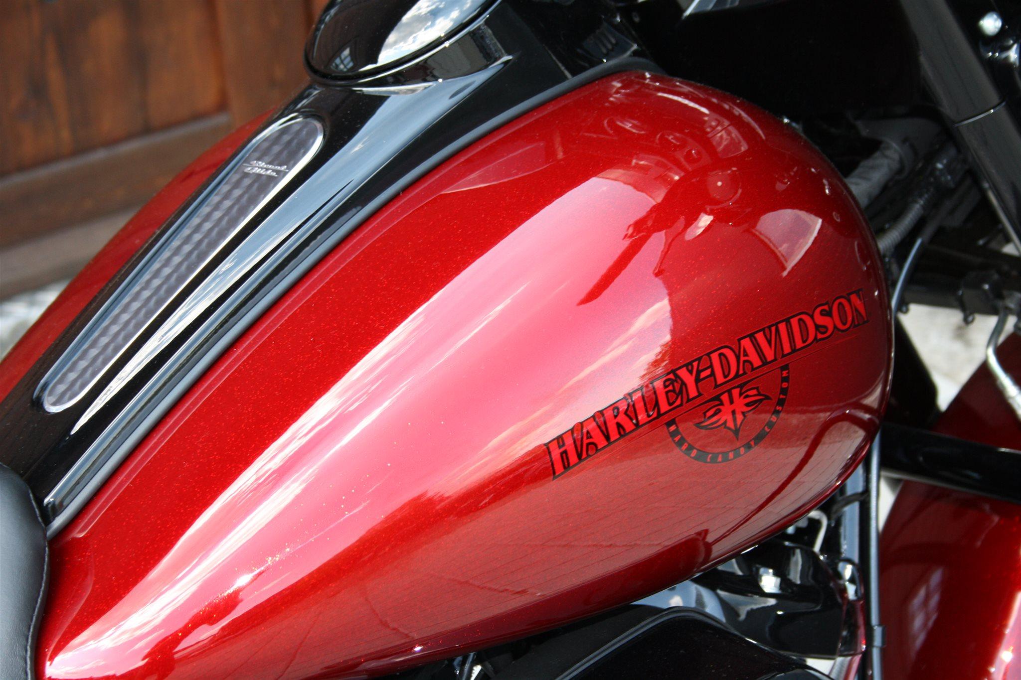 Neumotorrad Harley Davidson Street Glide Special Flhxs Baujahr Pink Motorcycle Angebot