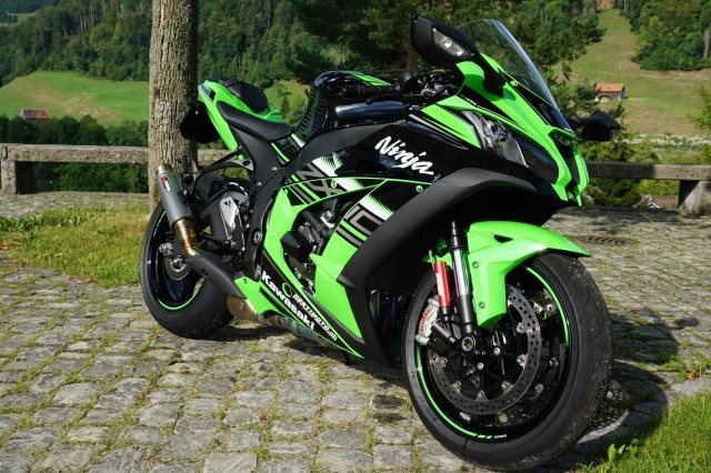 gebrauchte kawasaki ninja zx 10r krt baujahr 2018 5300. Black Bedroom Furniture Sets. Home Design Ideas
