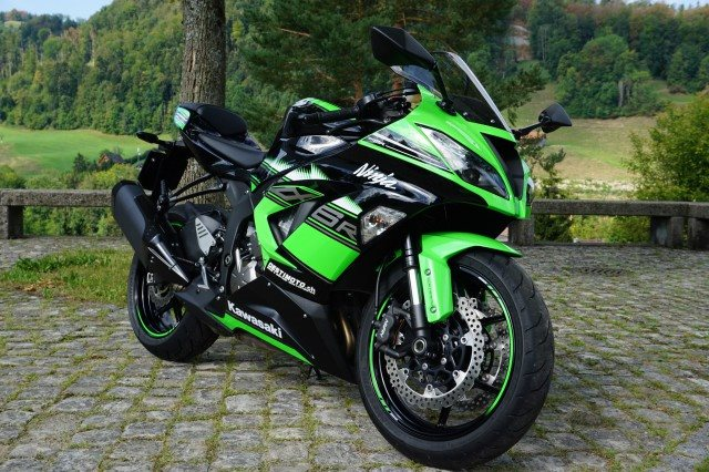 gebrauchte kawasaki ninja zx 6r 636 krt baujahr 2018. Black Bedroom Furniture Sets. Home Design Ideas