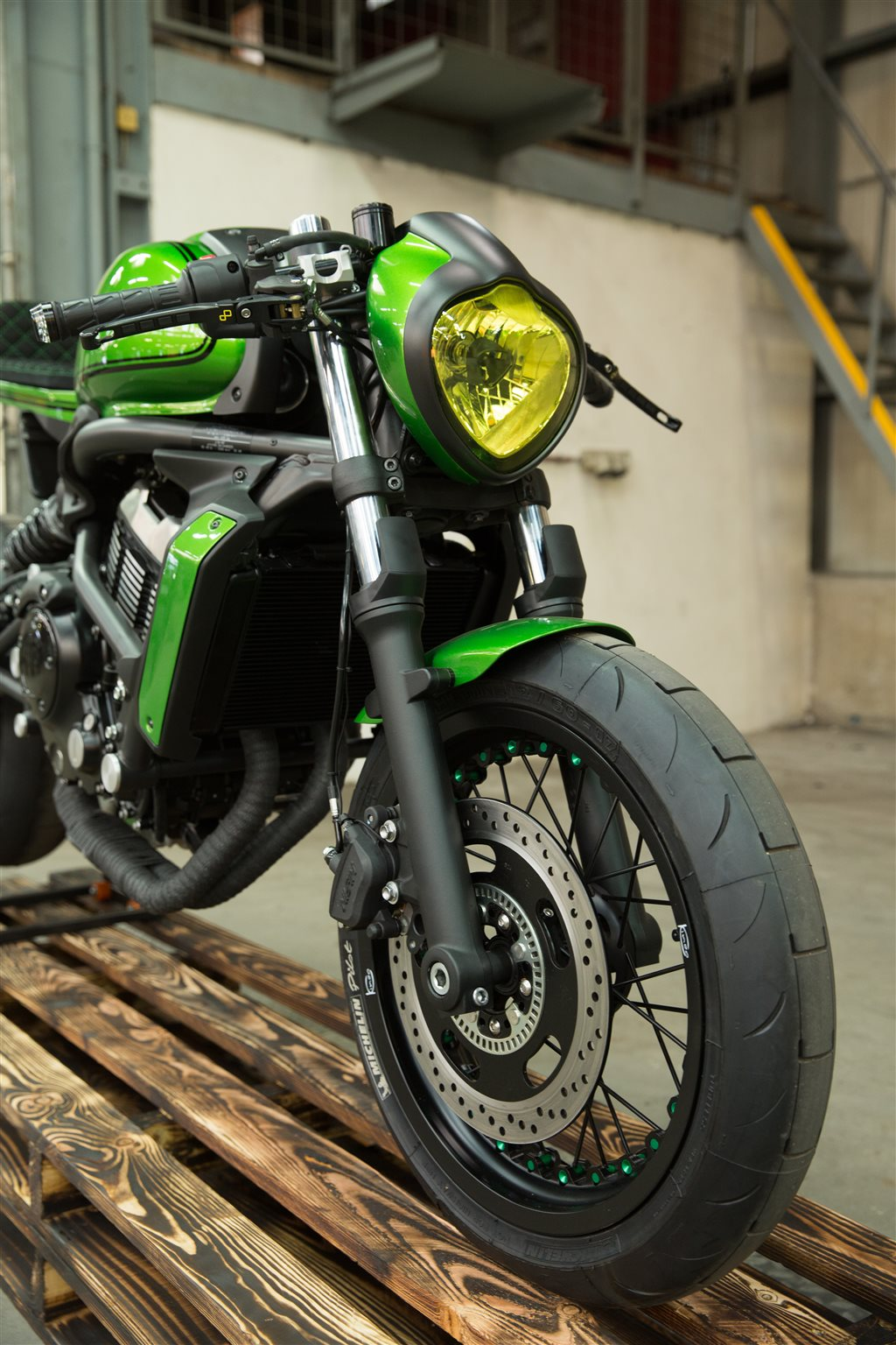 neumotorrad kawasaki vulcan s cafe custom bike. Black Bedroom Furniture Sets. Home Design Ideas