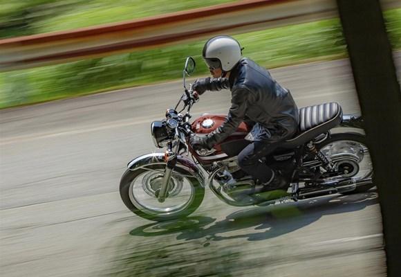 Kawasaki W800 Cafe