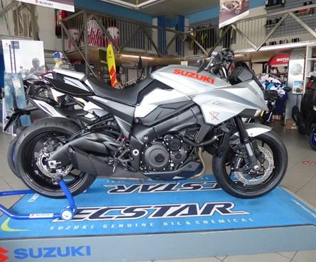 Neumotorrad Suzuki Katana