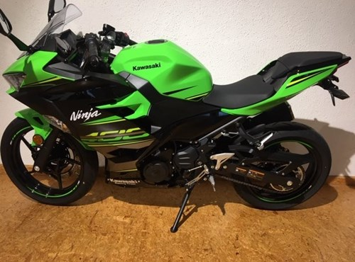 GEBRAUCHTE Kawasaki Ninja 400