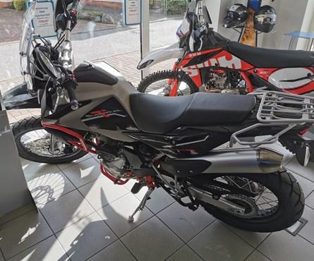 Neumotorrad SWM Super Dual 650
